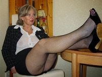 pantyhose and moms moms pantyhose femmes mures