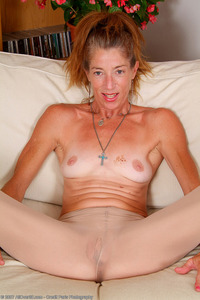 pantyhose and moms redhead pantyhose mature milf mom out