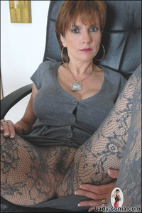 pantyhose and moms gallery lady sonia hot british milf patterned pantyhose