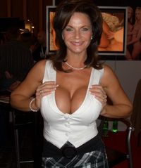 photo of milf wikipedia commons deauxma mutter erde fec milf pornography