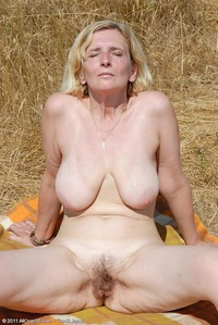 photos of mature pussy strokemypuss older pussy
