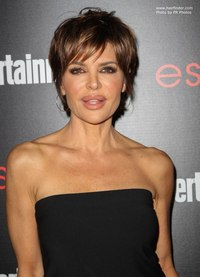 photos of sexy older women lisa rinna pixie celebl hairstyle