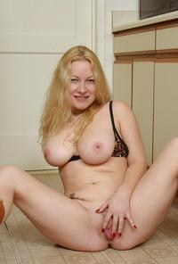 pic of mature pussy large erhprt mature dee meaty pussy wearing boots kitchen