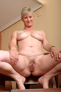 pics moms pussy nicole pict pictnic women fab hairy pussy here sexy mature moms