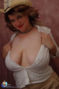 pics of moms with big tits gallery milf moms tits engine