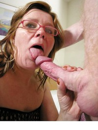 pics of sexy matures amateur porn sexy matures wearing glasses photo