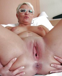 pictures of granny porn granny housewife