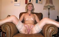 pussy pics older older wife shows hairy pussy