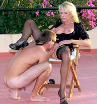 pussy pics older milf older blonde stockings gets pussy licked
