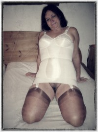 pussy pics older amateur porn polaroids older pics hairy pussy saggy tits pictures