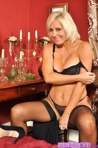 real mature milf pics stocking aces jan burton