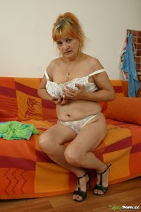 really old mature porn scj galleries gallery old woman takes off clothes shows brush scruffy chasm ddb