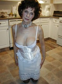 sexy horny mom pics more horny moms grannies