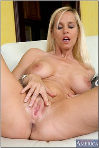 sexy hot moms pic media totally tabitha