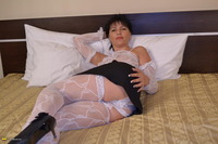 sexy mature mamas thum galleries momsgall hawt milf playing daybed