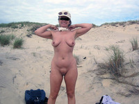 sexy mature nudist sexy mature wife posing nude beach voyeur girlfriends wives pics
