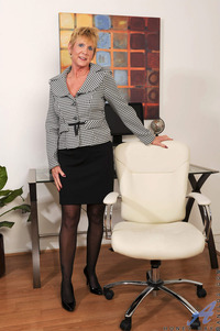 sexy mature pic galleries galleries cbb gallery honey ray sexy mature secretary that will rock cock imo
