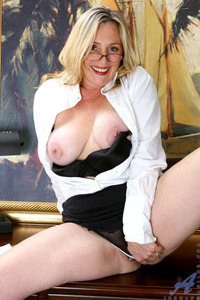 sexy mom pictures galleries pics pictures anilos mature sexy mom jordan pops out massive tits after hectic day office