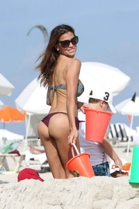 sexy photo milf claudia galanti bikini ass again beach miami sexy milf