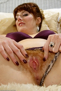 sexy photo milf galleries atk hairy sexy milf ara exposes bush