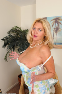 sexy photo milf mature porn sexy milf tahnee taylor part photo