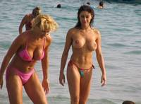 topless mom pics hot topless brunette tight body beach still mom daughter