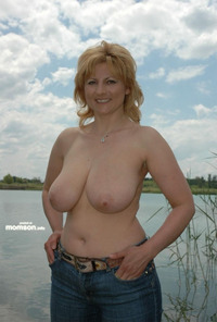 topless mom pics topless busty mom lake mother