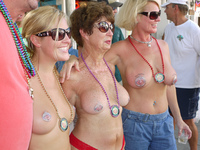 topless mom pics topless mom daughter grandma