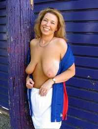 topless mom pictures pictures toplessmom