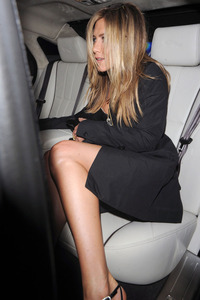 women upskirt shots jennifer aniston upskirt