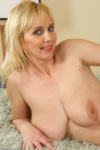 blonde busty mature large aifxuc aixl blonde busty freecougarsex mature toying ugly