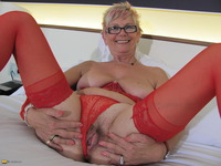 blonde mature pussy affiliates mature free pictures track