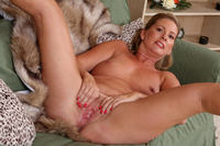 blonde mature pussy photo large hot mature blonde grandma laura shows pussy couch free gilf pics