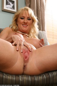 blonde mature pussy large ewlifzlnqq allover bethany blonde mature pussy solo spread escort home