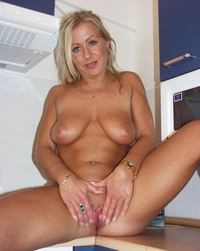 blonde mature photos mature pipi