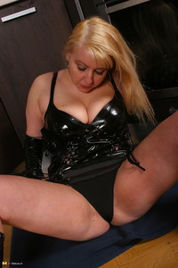 chubby mature bbw porn nice chubby mature latex photo