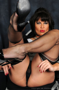 classy mature pictures amanda nylons picsc german mature stockings