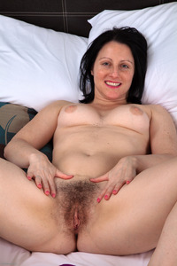 hairy mature mature hairy girls girl spreading pussy