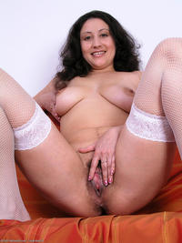 hairy mature large aeabj fbudq caroline hairy mature momhairypussy