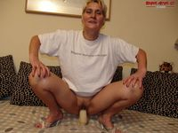 horny mature free pictures horny mature slag fucking herself baseballbat