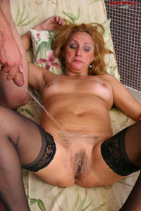 horny mature eaa dbb horny mature bitch fucking pissing