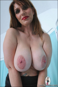 huge tits mature sexy stockings lady sonia huge natural tits british mature escort home free tit