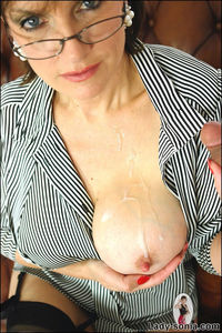 huge tits mature gallery saggy mature tits