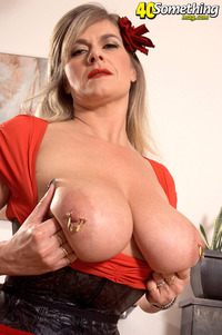 huge tits mature tits blonde ass marina rene mature milf busty shows pics