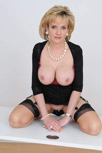lady sonia mature photo large sexy mature granny lady sonia shows huge boobs free gilf pics