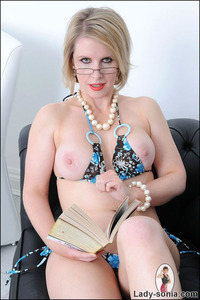 lady sonia mature fets nsonia perfect body mature stunner angela lady sonia from