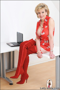 lady sonia mature boots fetish lady sonia milf high latex dominatrix photos