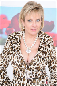 lady sonia mature firm tits mature compliments lady sonia breasts older