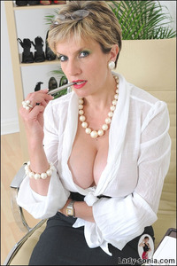 lady sonia mature boneme