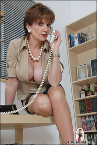 lady sonia mature lady sonia galleries nylon uns glamorous leggy busty british mature babe from